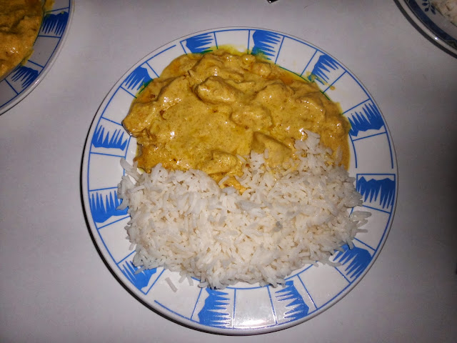 POLLO AL CURRY CON CREMA DE COCO