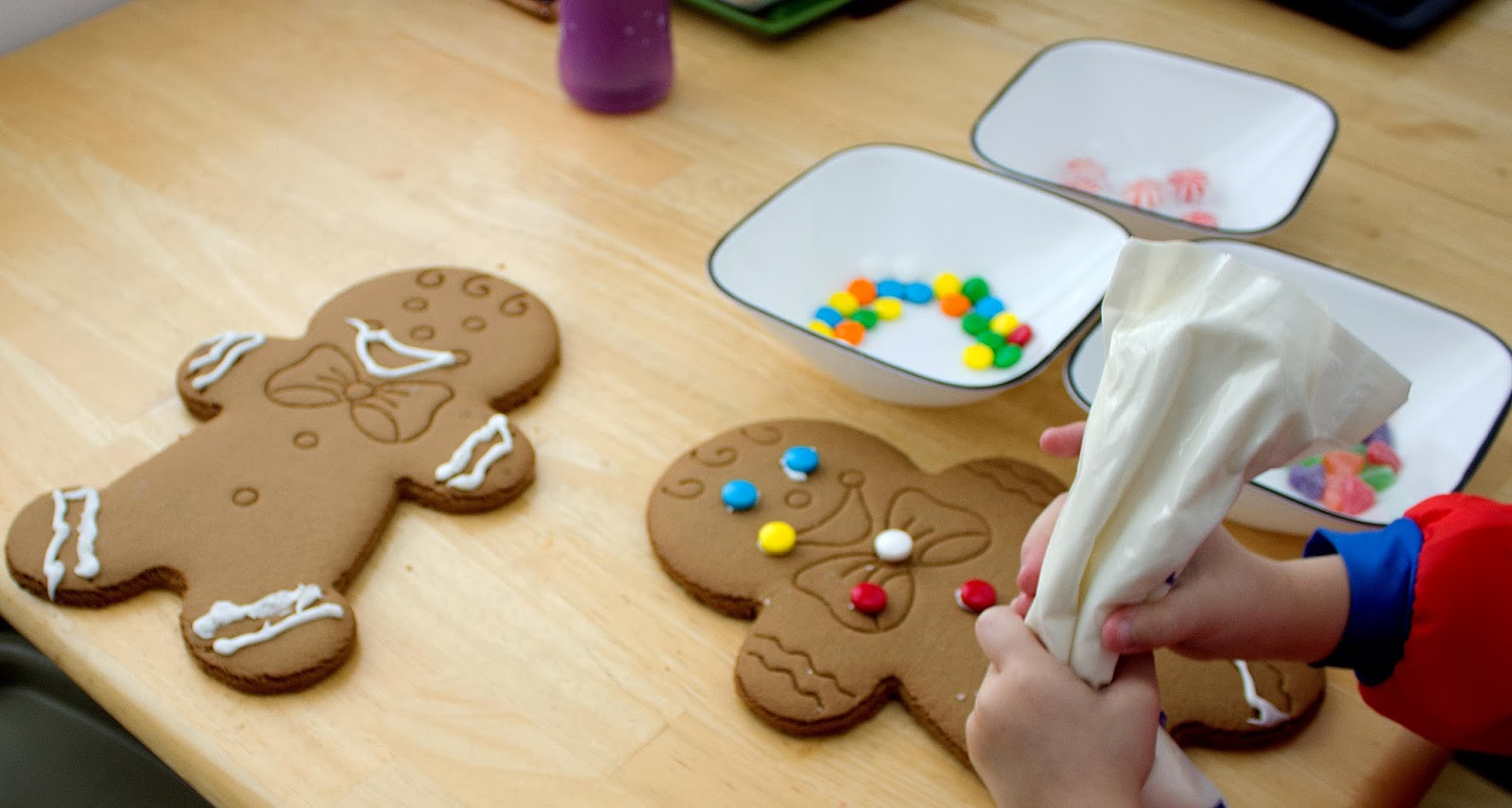 Livin the good life decorating gingerbread men - Decorations for gingerbread man ...