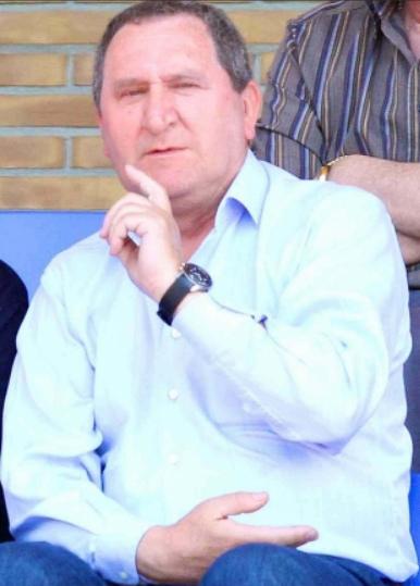 Club futbol gav maniega nuevo presidente for Trabajo en gava