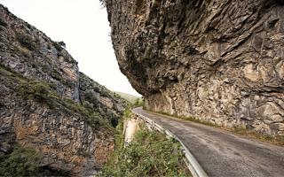 Desfiladero-del-Bellos-Mercedes-GLK-2012