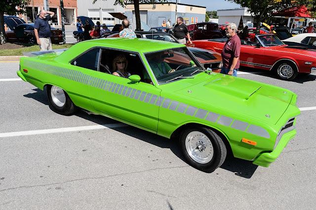 Michael & Linda Watkins' 1974 Dodge Dart