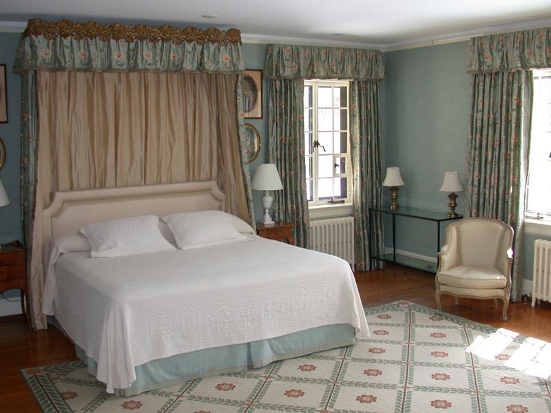 Tips Membuat Desain Kamar Tidur Putih Romantic