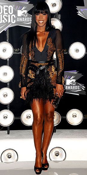 Kelly Rowland in Falguni Shane dress can I have her legs please