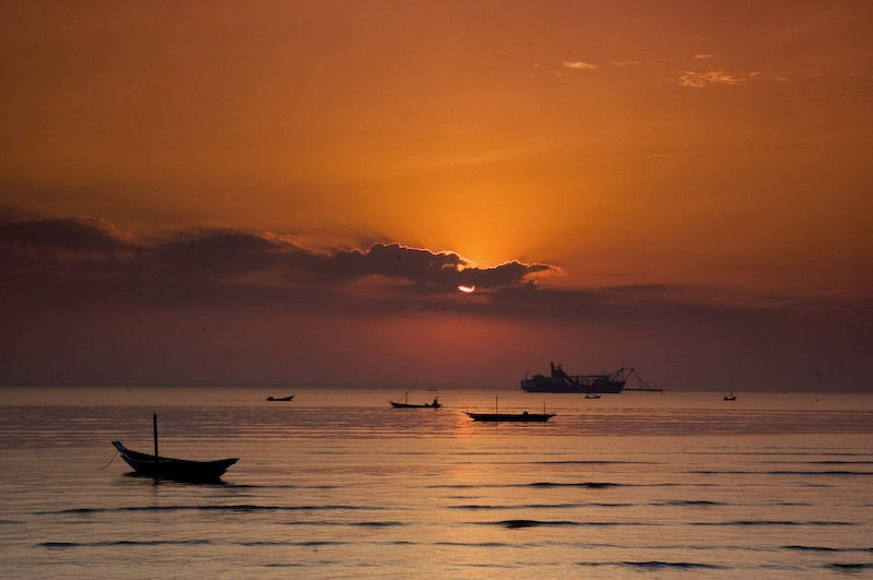 Indescribable Beauty of Kenjeran Sunrise