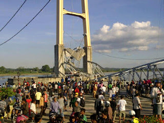 Runtuhnya Jembatan Kutai Kartanegara