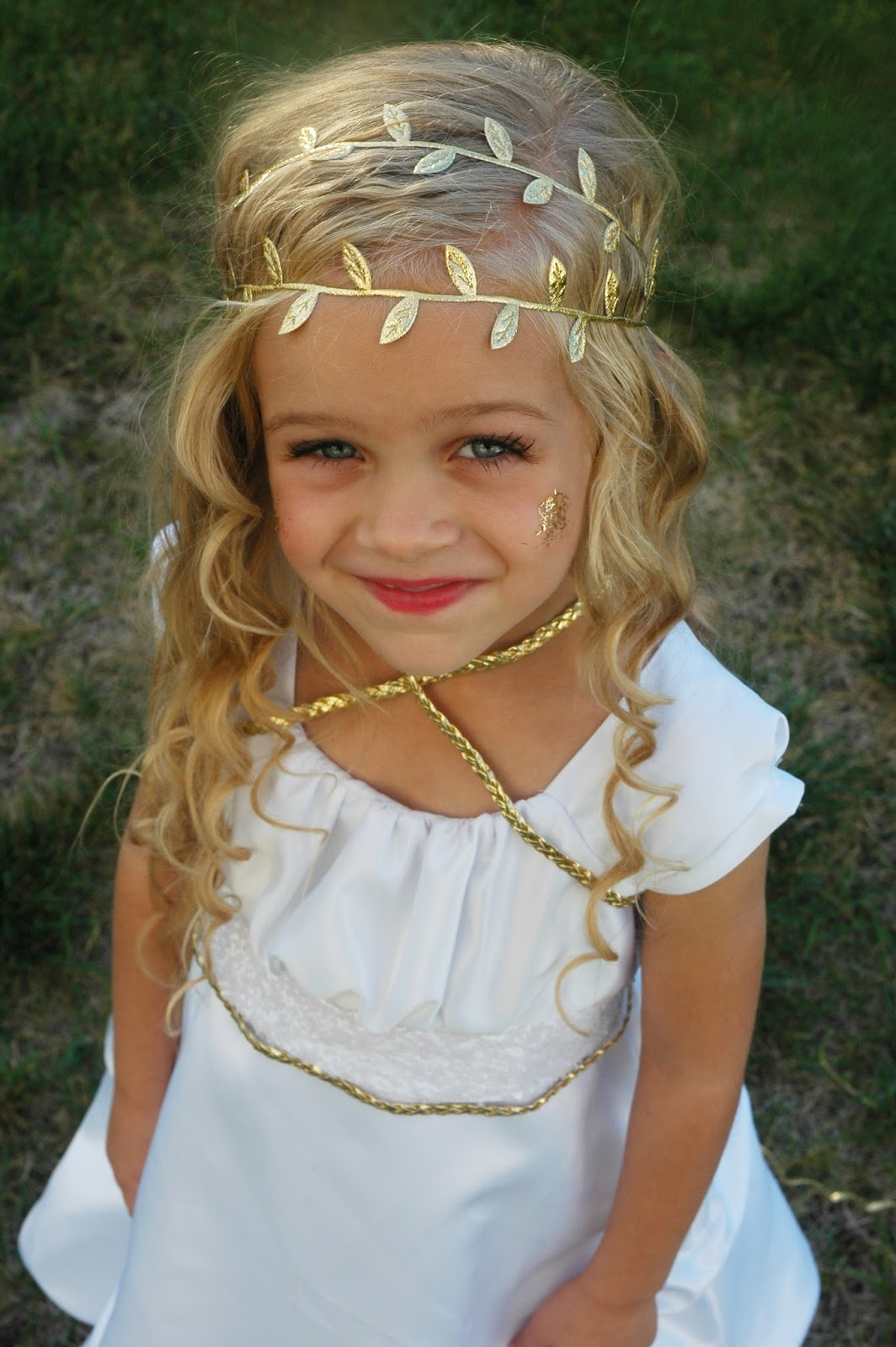 Kellie Mcclure Halloween Diy Costume Greek Goddess