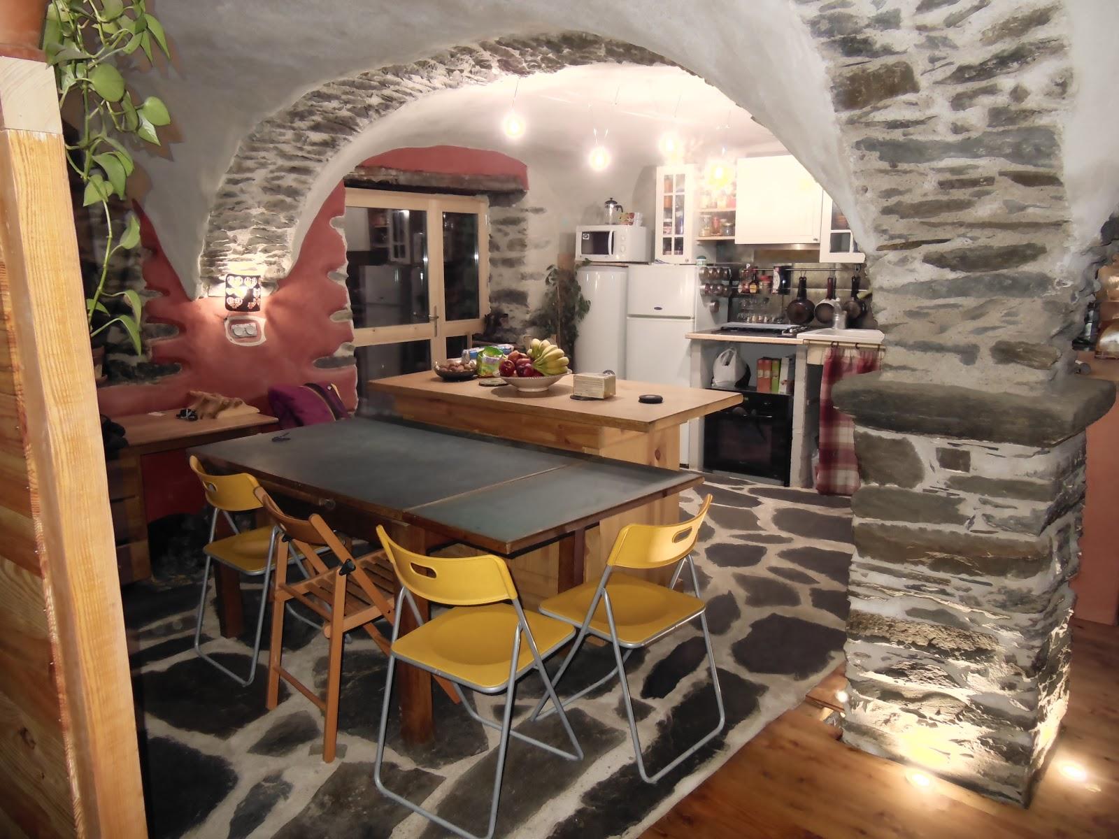 r novation au thyl dessous. Black Bedroom Furniture Sets. Home Design Ideas