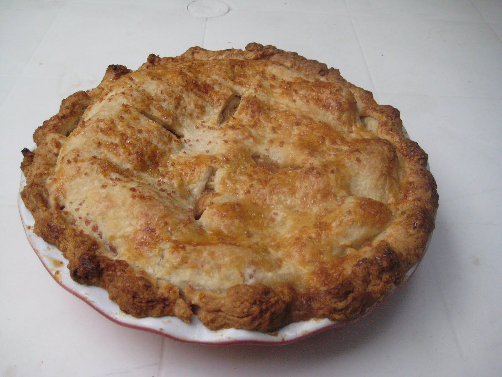 Om Nomz Hero: Salted Dulce de Leche Apple Pie