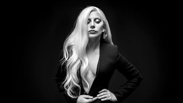 "Lady Gaga fue pre-nominada para el Oscar con ""Til It Happens To You""."