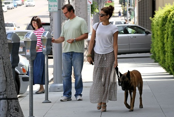 Eva Mendes walking her dog Hugo.