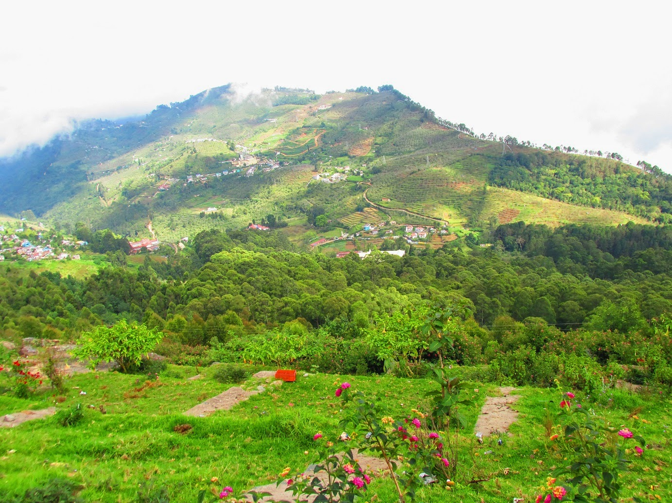 Kodaikanal India  city photos : Kodaikanal is one of the most important hill stations in India. People ...
