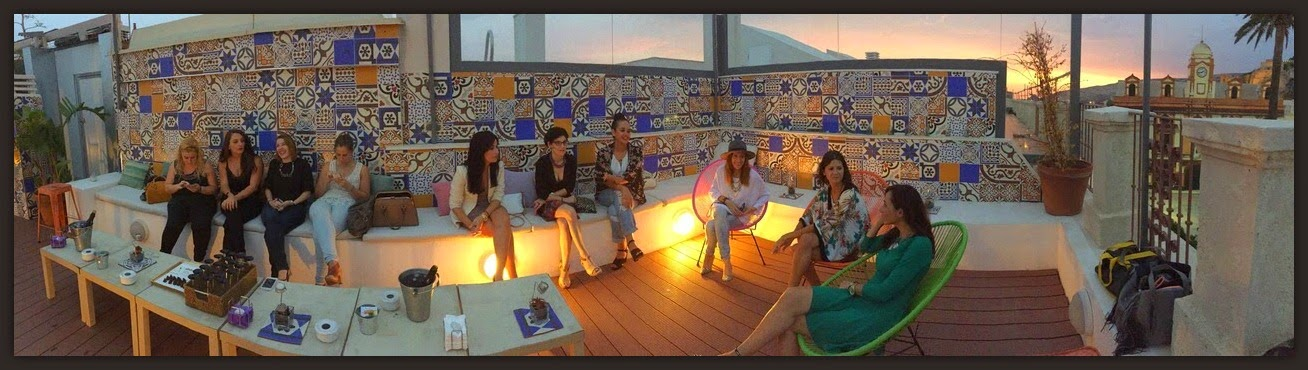 Baños Arabes Plaza Vieja Almeria: Antonio Burgos en la Terraza del Hotel Lounge Plaza Vieja de Almería