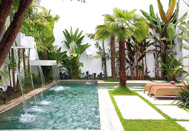 fotos jardim piscina : fotos jardim piscina:Belo Jardim com Piscina e Cascatas