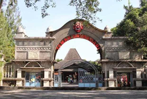 Taman Sriwedari - tempat wisata di solo yang menyenangkan