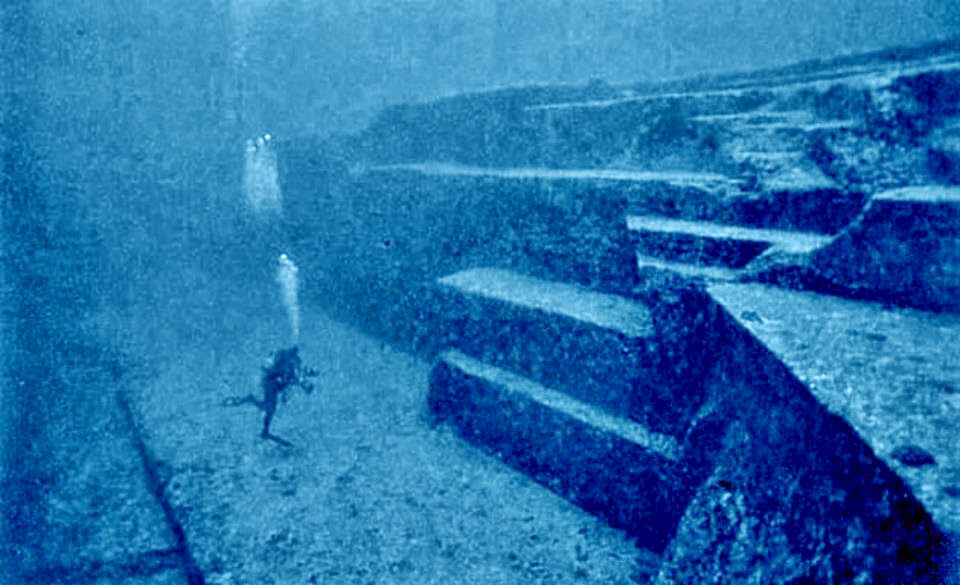 Diving Japan's mysterious underwater ruins with Graham Hancock Japan-underwater-pyramids