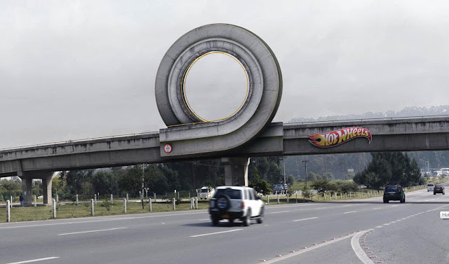 Hot wheels advertising campaign: Curl