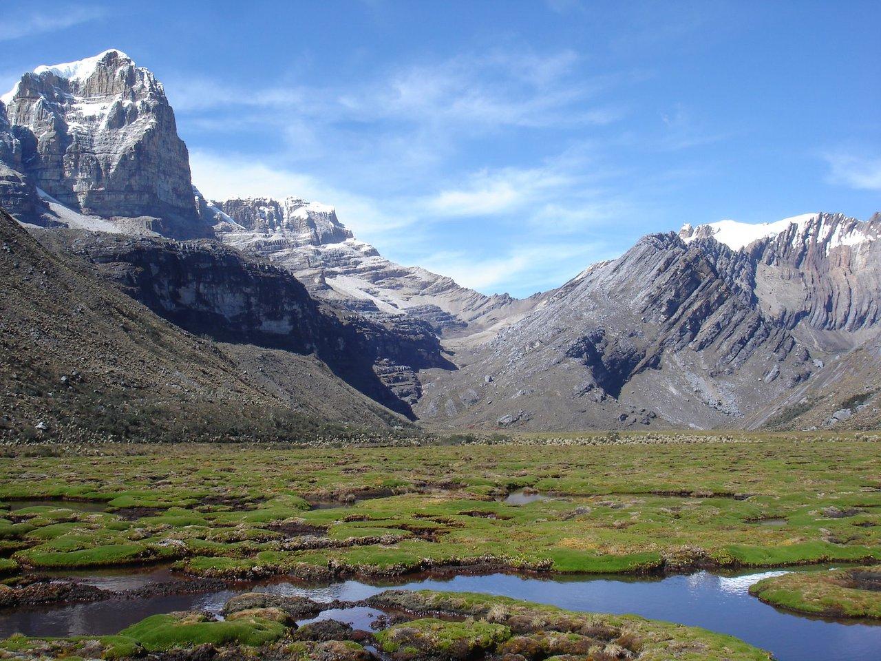 http://2.bp.blogspot.com/-0FJqhXuCBPU/Ti-743xiN7I/AAAAAAAAAlo/acefondvnjA/s1600/Sierra+Nevada+del+Cocuy%252C+colombia1.jpg
