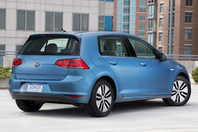 2015 price Volkswagen eGolf Electric car back side view