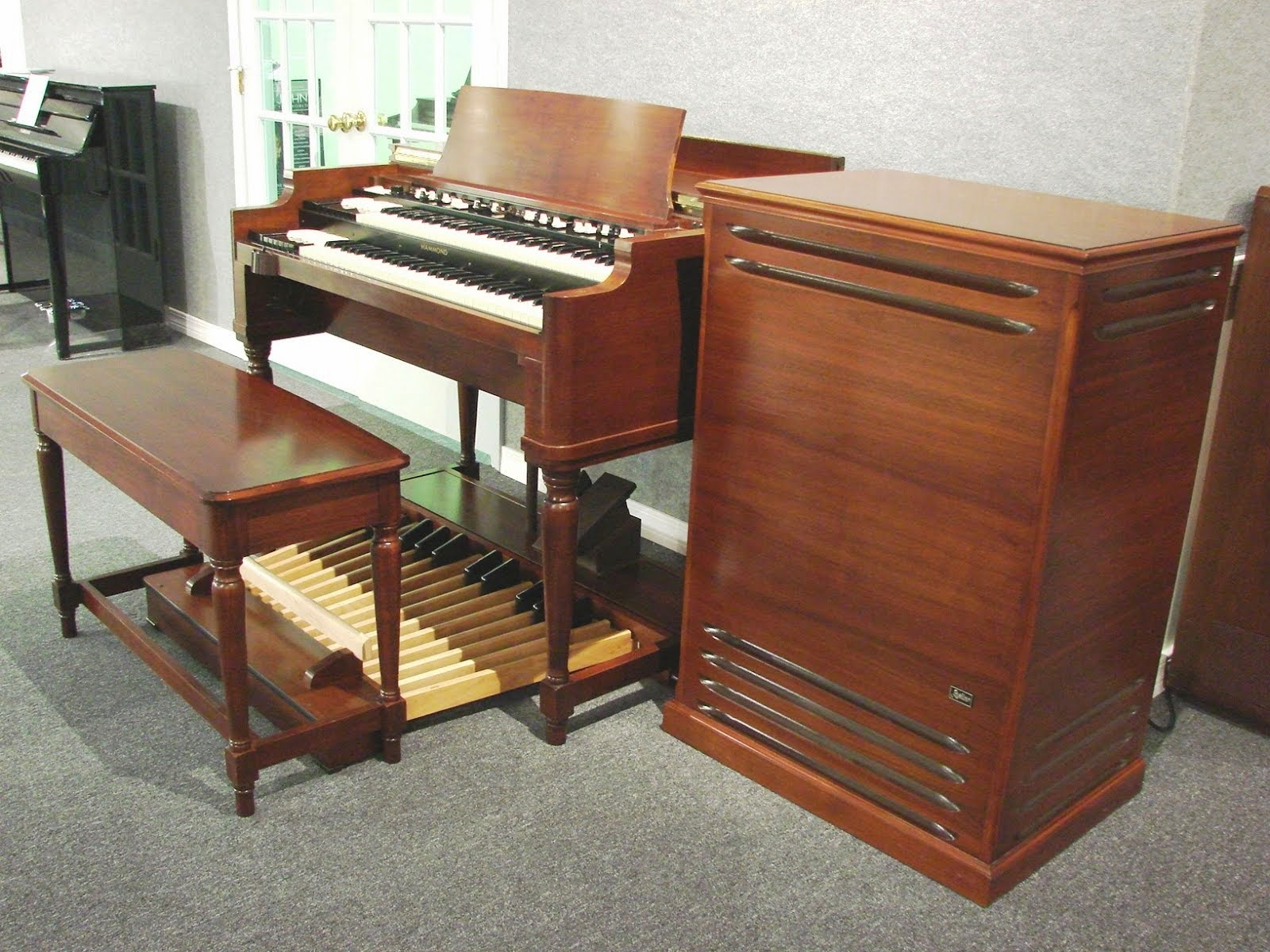 New Hammond B3 Organ with 971 Leslie Speaker Cabinet Pre-Owned