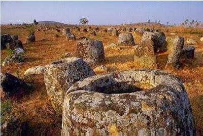 Η κοιλάδα των γιγάντιων λίθινων αγγείων - Ένα παράξενο αρχαιολογικό μνημείο στο Λάος