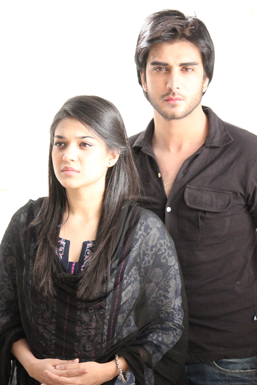 Imran Abbas Family http://kootation.com/imran-abbas-wedding-pictures.html