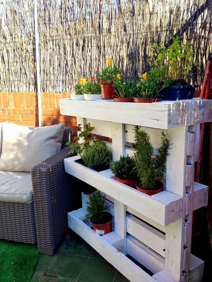 Decoracion terrazas palets - Decorar paredes de terrazas ...