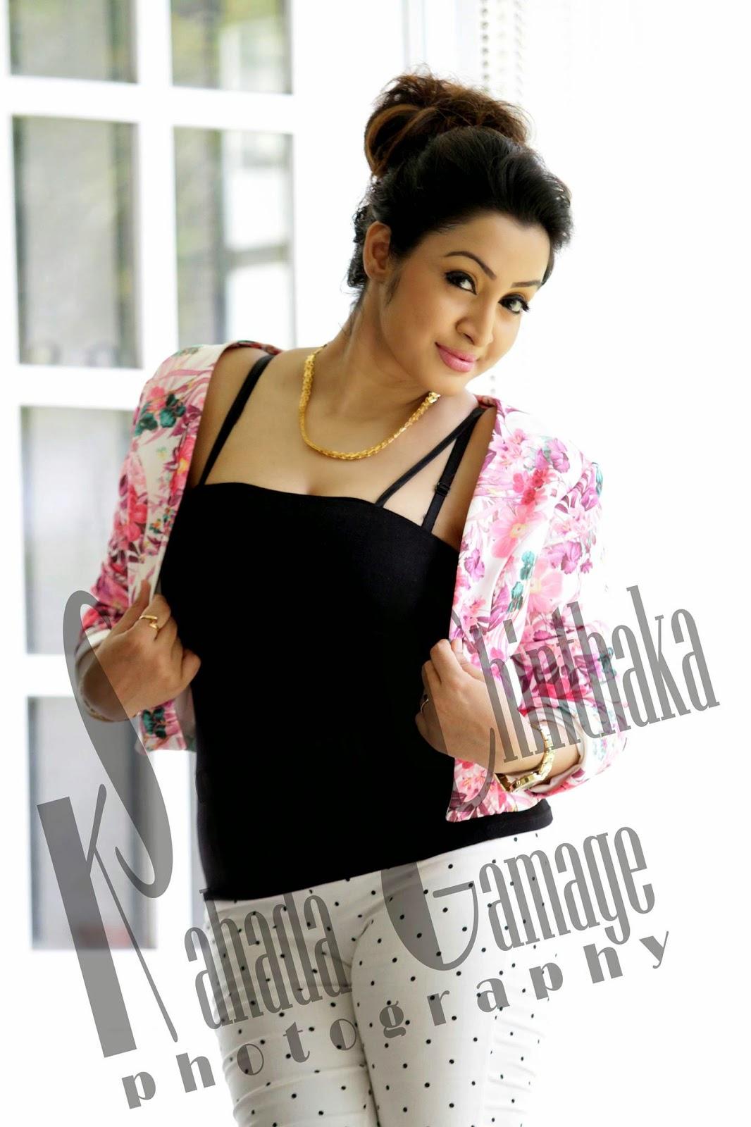 Kaushalya Madhavi tight hot