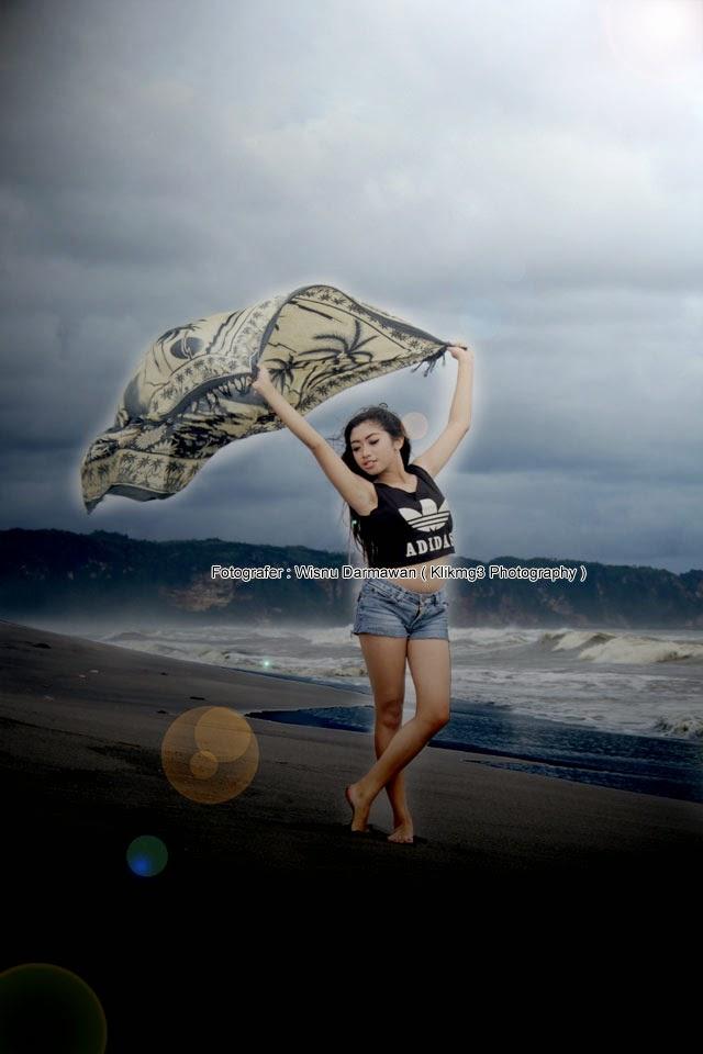 Model Bikini    Lokasi : Pantai Depok     Fotografer : Klikmg3 ( Fotografer Purwokerto )