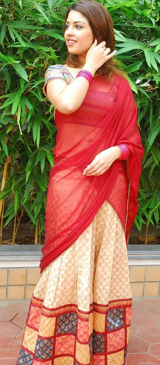 Latest Cleavage Hot Richa Gangopadhyay in Half Saree Navel