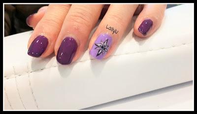 Ring finger Nail art fiore