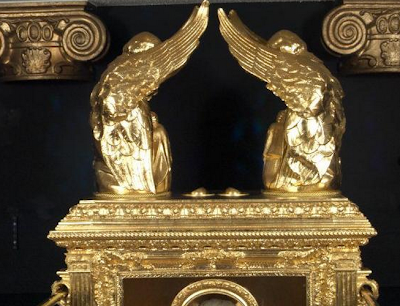 .+Ark+of+The+Covenant 10 Penemuan Benda Prasejarah yang Masih Jadi Misteri Sejagat Raya