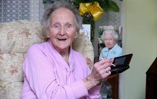 Nenek Berusia Satu Abad Penggila Nintendo kathleen connel