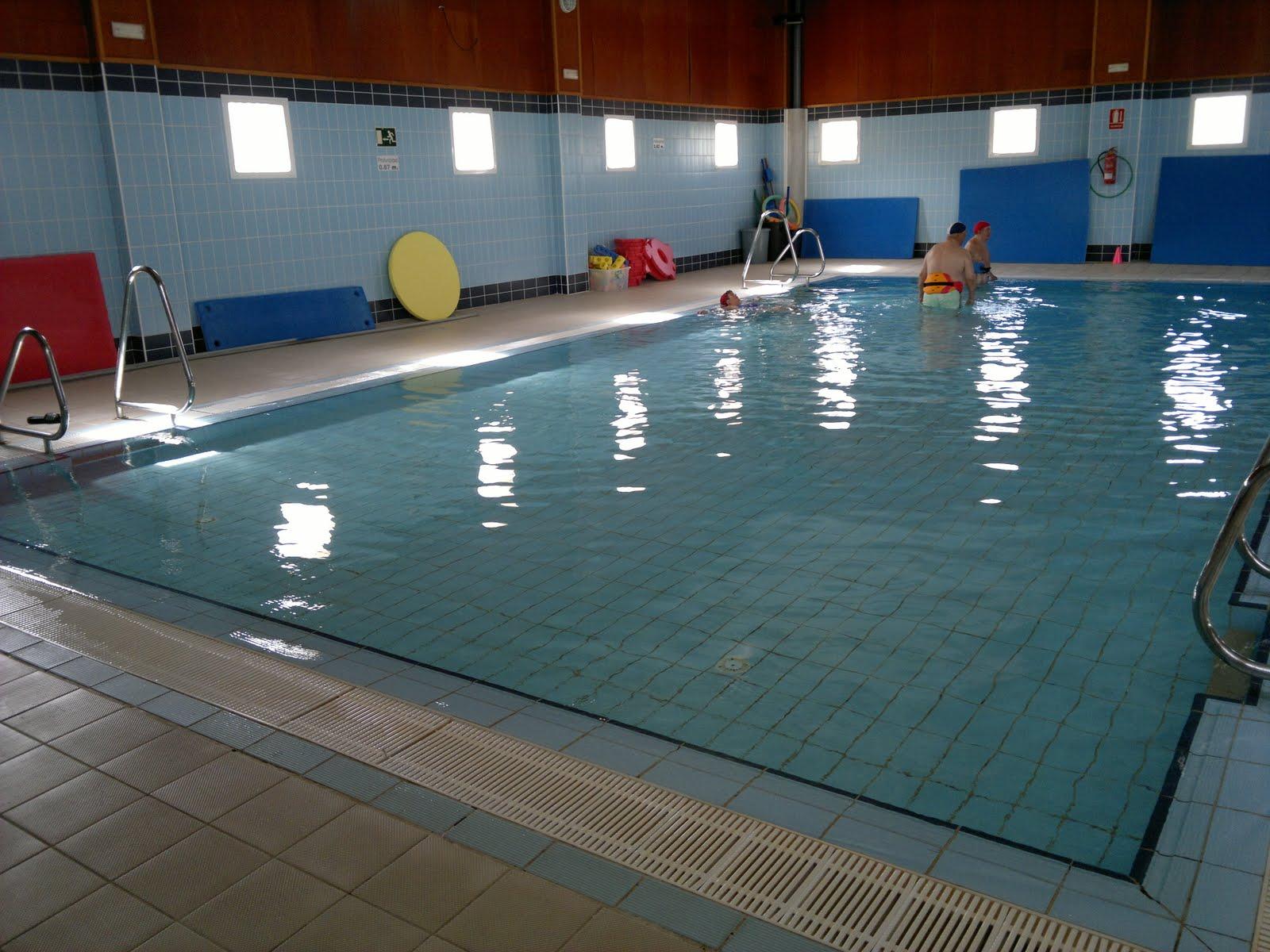 Instalaciones piscina municipal cubierta la gu a de pilas for Piscina municipal cubierta
