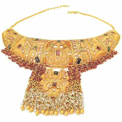Pakistani Lady Jewelry | Wedding | Latest designs gold jewelry