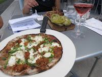 Braised lamb pizza