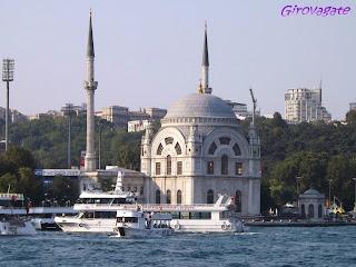 gita Bosforo Istanbul moschea Ortakoy