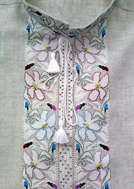 Чоловіча сорочка, вишивка хрестиком, автор Руслана Равлюк з Бучача