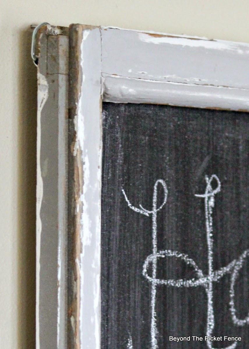 Window Chalkboard http://bec4-beyondthepicketfence.blogspot.com/2014/10/window-chhalkboard.html
