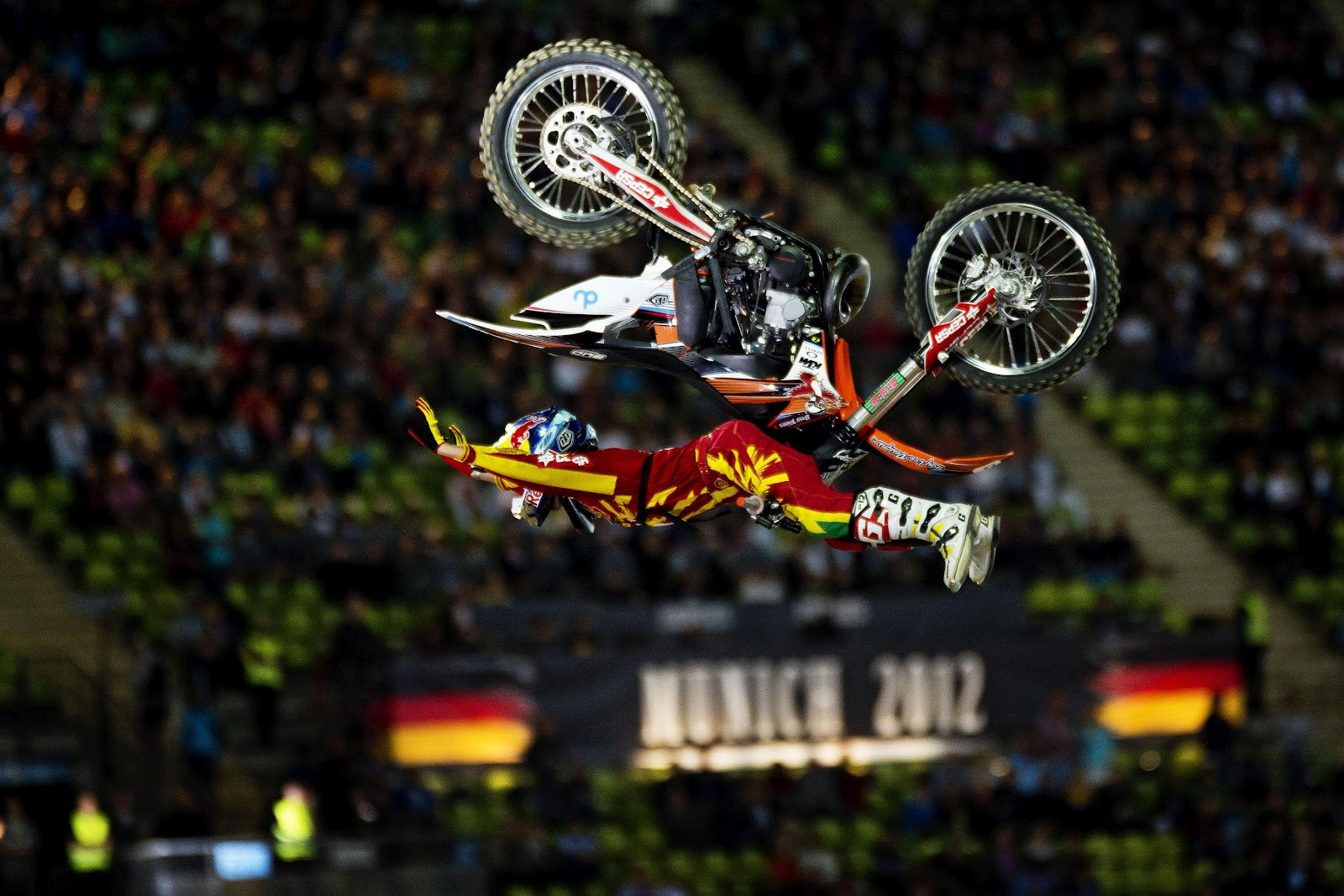 corinna s sky red bull x fighters munich. Black Bedroom Furniture Sets. Home Design Ideas