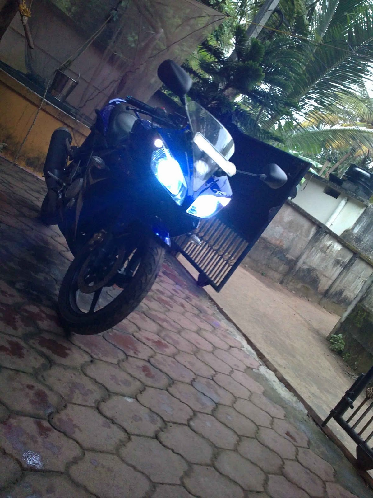 R15 V2 Modified With Projector Lights R15 blue flash light |...