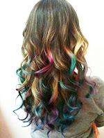 cabelos-cacheados-coloridos