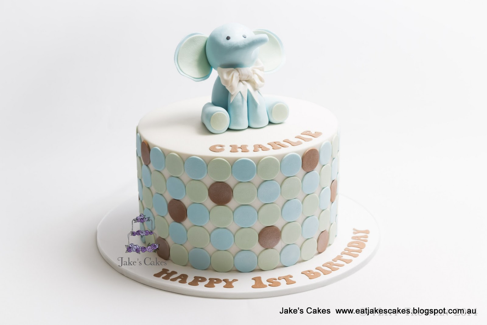 Birthday Cake Photos For 1st Birthday : Jake s Cakes: First Birthday Cake with Fondant Elephant ...
