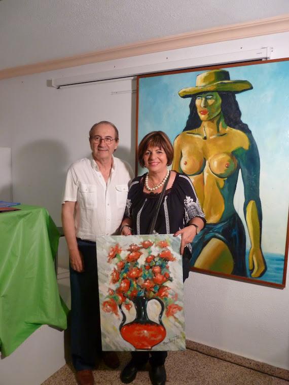 BARBEYTO CON EL PINTOR PALMERAL ANTE SU OBRA TOP LESS