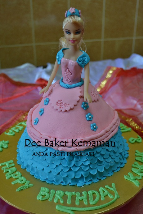 Kek Fondant Barbie