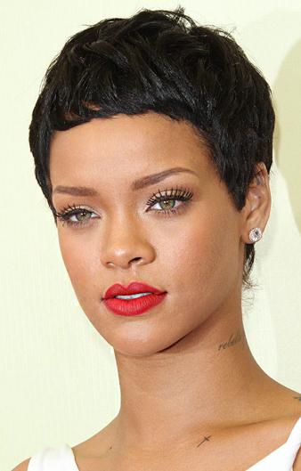 Rihanna çok kısa maskülen saç kesim tarzı