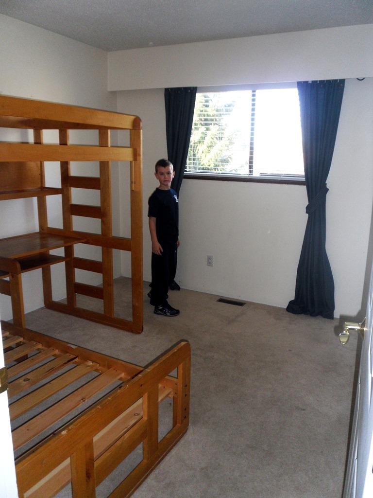 4960 miles berlin vancouver denver kinderzimmer zwischenstand. Black Bedroom Furniture Sets. Home Design Ideas