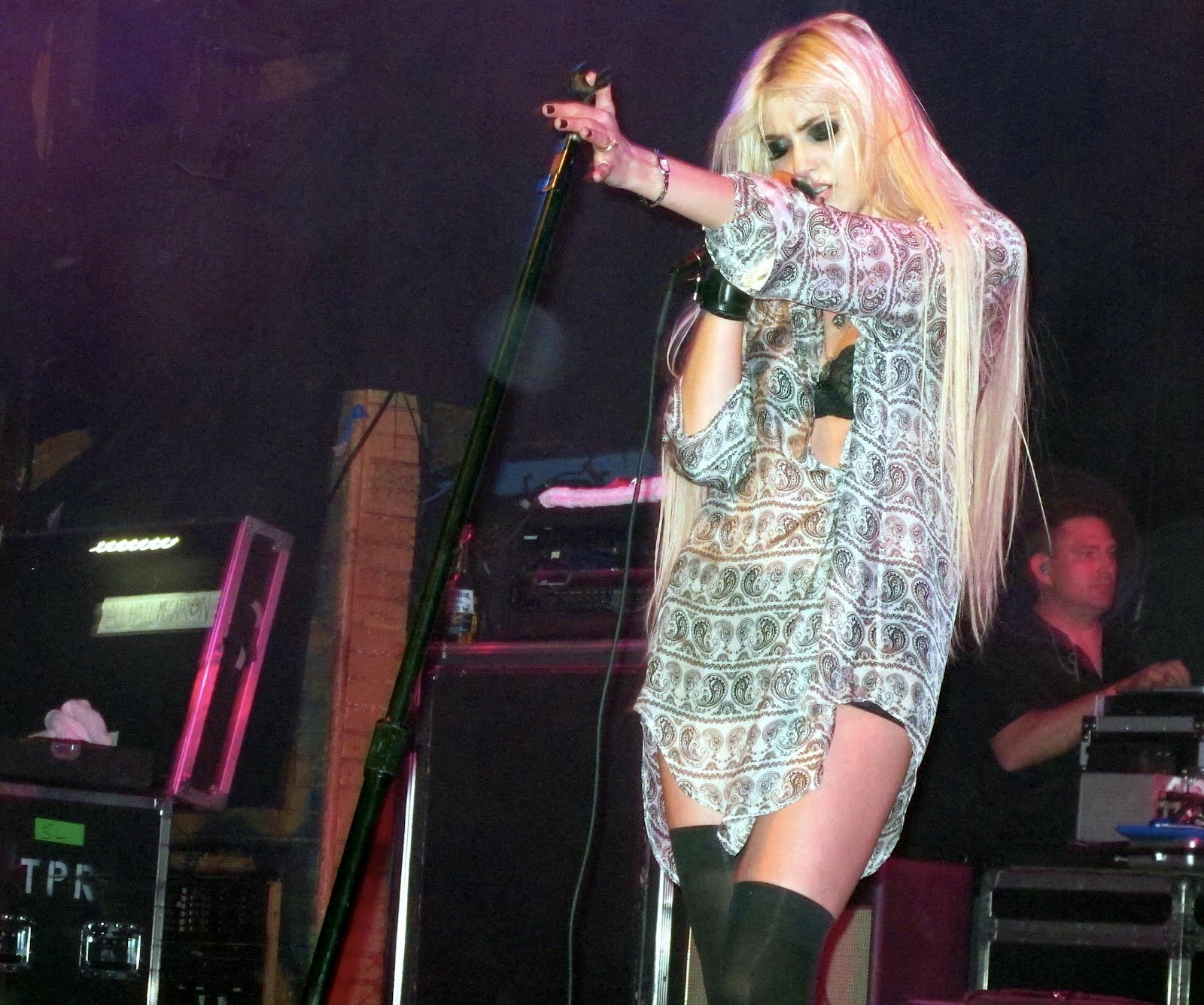 Celebrities Spy: Taylor Momsen Performs Live at House of ... Taylor Momsen Live