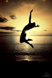La felicidad es el apego a tu interior