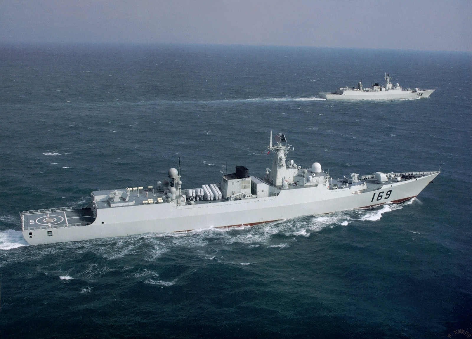 China Navy Ships Military http://china-defense.blogspot.com/2011/07/9th-plan-task-force-to-gulf-of-aden.html