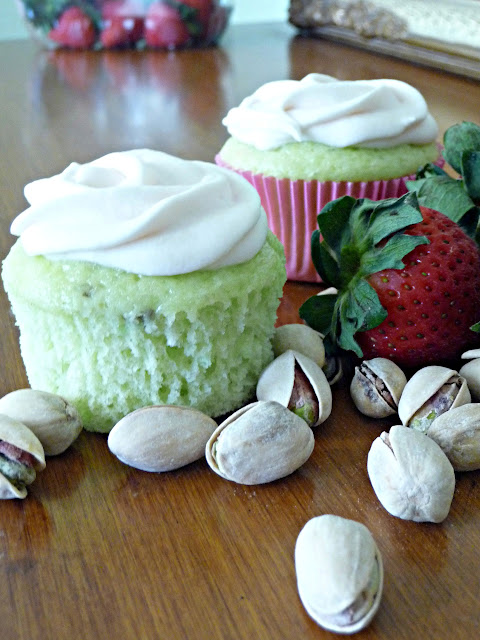Pistachio Cupcakes with Strawberry Cream Cheese Frosting ...
